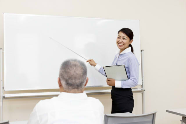 企業のシニア研修が注目を集める理由とは?研修内容について解説