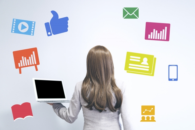 社内コミュニケーションツールは何を選べば良い?導入時のポイントも解説